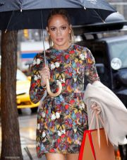 Jennifer Lopez Has Lunch With ARod